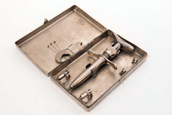 Gillies Syringe in Case