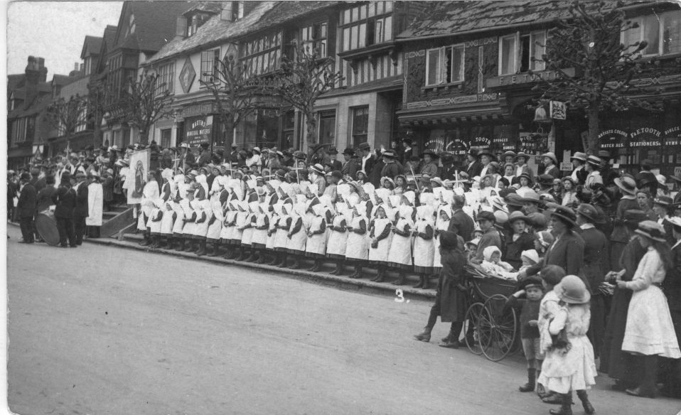 A black and white photograph of orphans from the Convent on the High Street in 1911